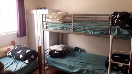 Room share /master bedroom