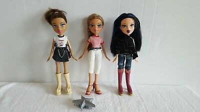 Lot of Beautiful Bratz Girl Dolls with Clothes and Shoes Excellent Condition](Beautiful Girl Clothing)