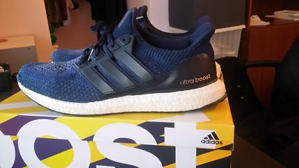 Ultra boost 2.0 navy blue US 11.5