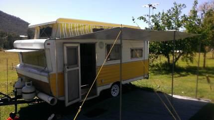 Immaculate 1976 14ft pop top caravan Highvale Brisbane North West Preview