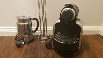 Nespresso DeLonghi Coffee Capsule Machine with Milk Frother & Pod