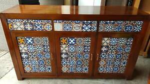 MODERN TIMBER BUFFET CABINET /SOLID TIMBER WITH 3 DRAWERS/3 DOORS G.C.