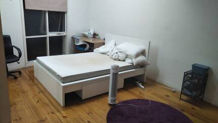 Room for rent, $230/w all bill inc North Melbourne
