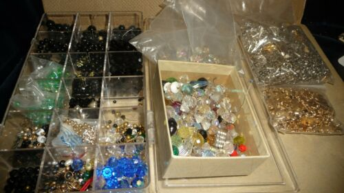 #414 Vtg costume Jewelry PARTS Necklace ENDS LOOSE BEADS Crafts