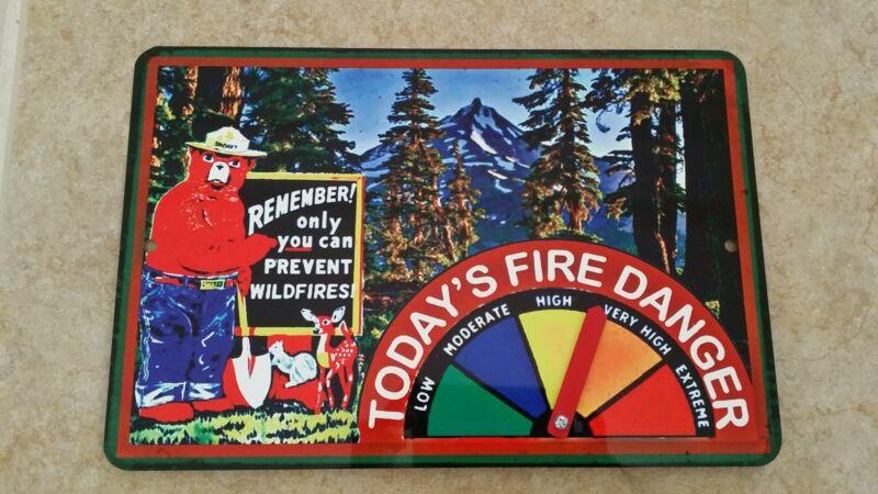 FIRE DANGER WARNING SIGN GAUGE ADJUSTS! SMOKEY BEAR U.S. FOREST SERVICE VINTAGE