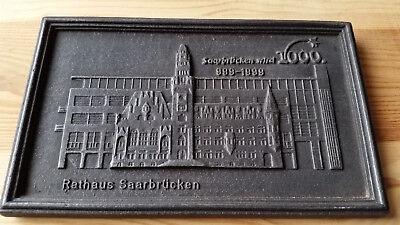 Halberg  Gußeiserne Platte  Motiv  Rathaus Saarbrücken