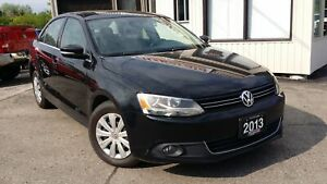 2013 Volkswagen Jetta 2.0 TDI Highline - LEATHER! SUNROOF!