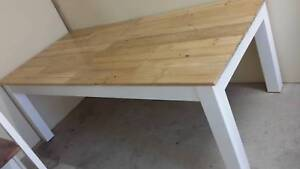 Dining table with reclaimed pallet wood top
