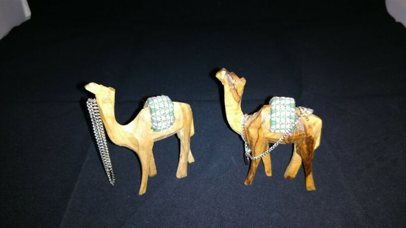 "2 Hand Carved Christmas Camels Figures With Blanket and Reins 3"" x 3 1/2"" tall"