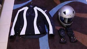 Ladies M2R metallic silver Flip up full face Helmet size 8 Southern River Gosnells Area Preview