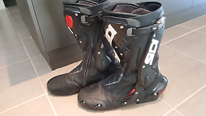 Sidi ST air motorbike race boots Aubin Grove Cockburn Area Preview