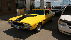 For sale 1974 Dodge Challenger - Yellow