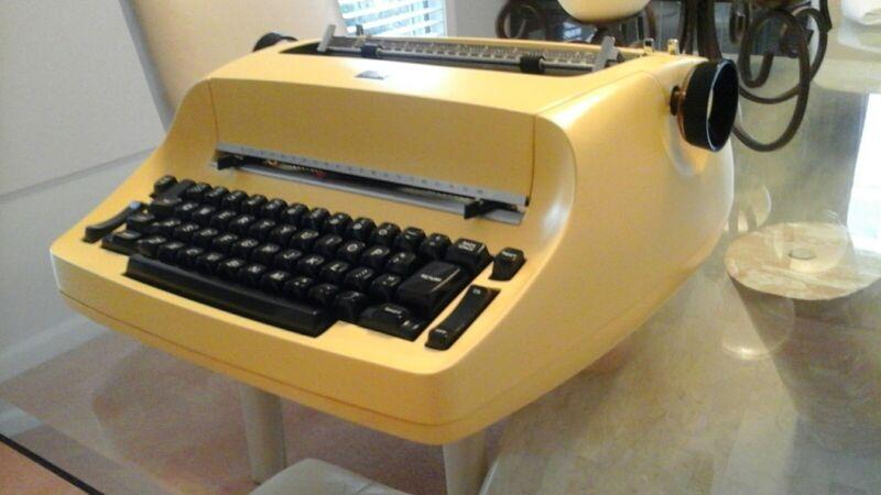 IBM Selectric typewriter overhaul & reconditioning