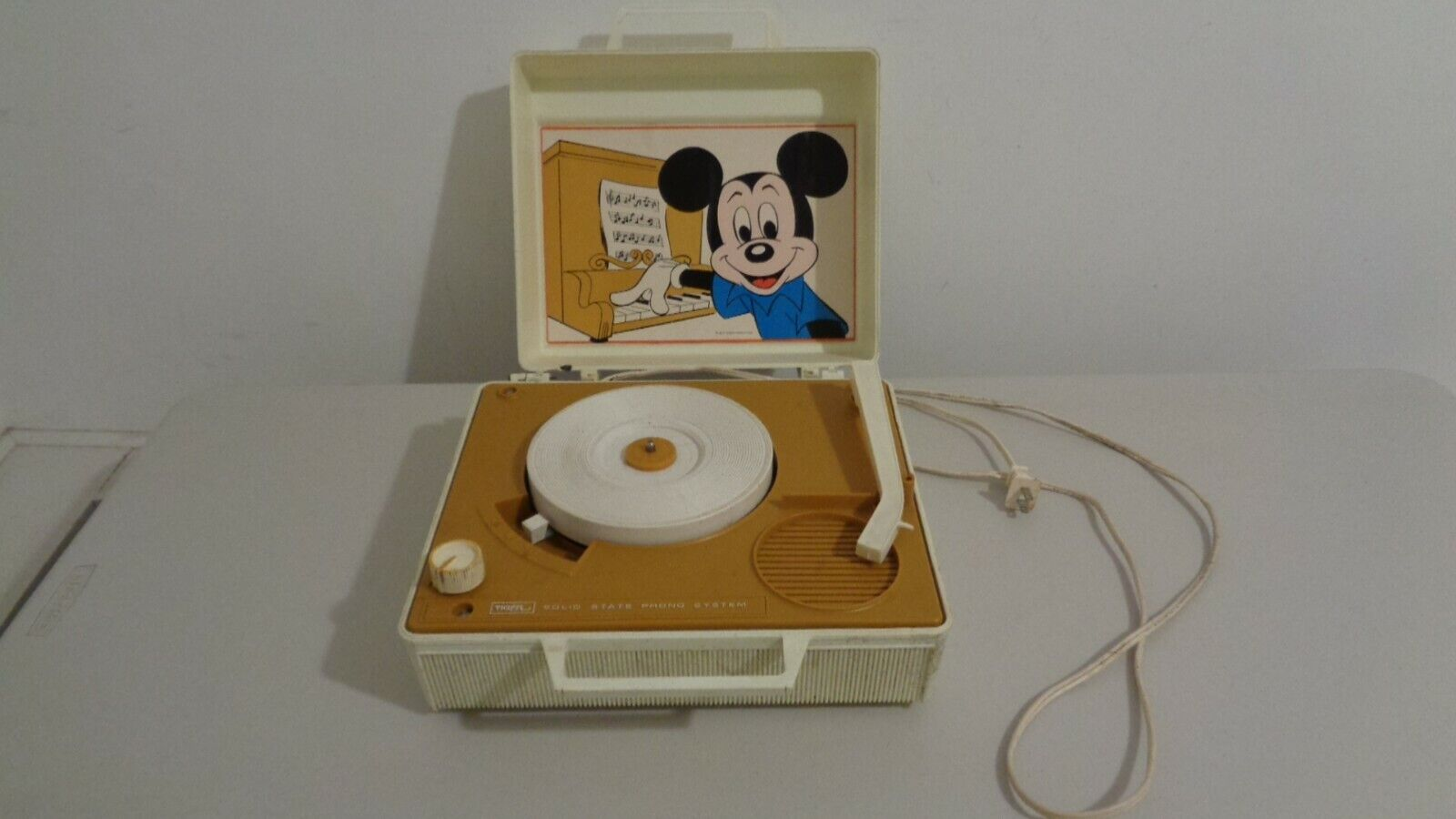 mickey mouse record player 1970 s solid