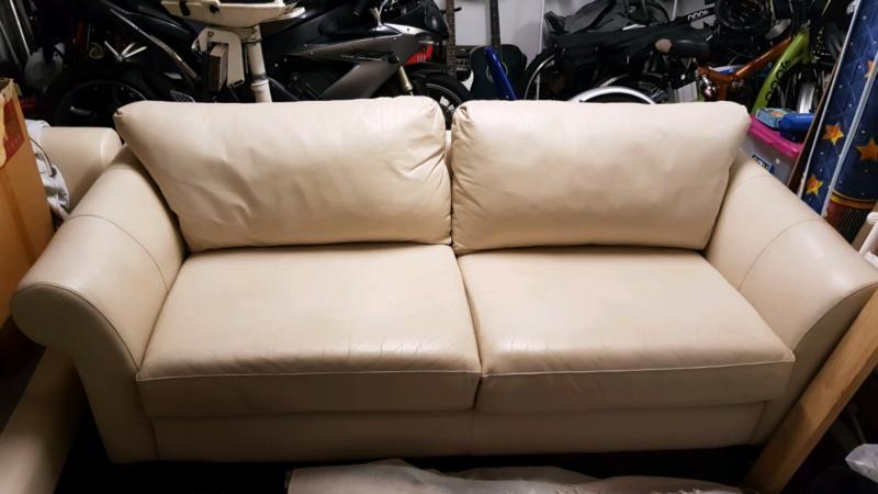 white leather couch. White Leather Couch Sofa   Sofas Gumtree Australia Redland Area - Victoria Point 1181728318