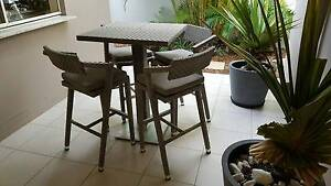 Rattan Wicker Outdoor Bar Table with 4 Stools Noosa Heads Noosa Area Preview