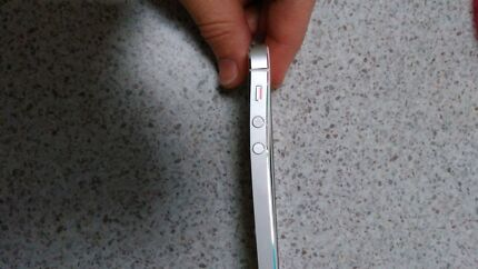 Iphone 5 16g Midvale Mundaring Area Preview