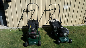 2 x Victa 4 Stroke Lawn Mower with Catcher GC $95 & $75  Both in Huntingdale Gosnells Area Preview