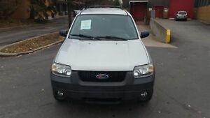 2005 Ford Escape XLT 4X4 TEL: 514 249 4707