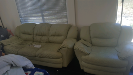 Free leather lounge suite!