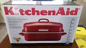 BRAND NEW huge KitchenAid covered roaster with rack RRP $169 South Coogee Eastern Suburbs Preview