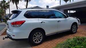 Nissan Pathfinder 2016 (7 seater) SUV