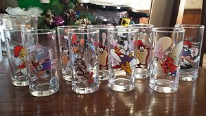 Smuckers 1998 Looney Tunes glasses