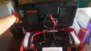 Battery hub, batter, solar panel