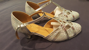 Tango / ballroom dancing shoes, silver, size 38 Marsfield Ryde Area Preview