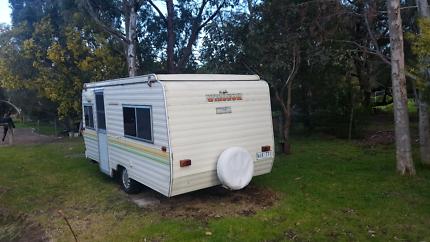 Caravan 1990 windsor pop top