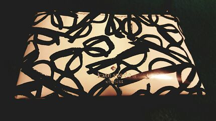 Kate spade authentic pouch  Park Ridge South Logan Area Preview
