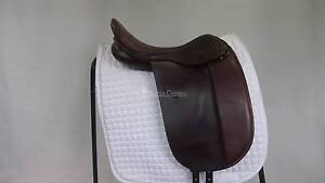 """Trainers Masters 17"""" Show Saddle Morphett Vale Area Preview"""