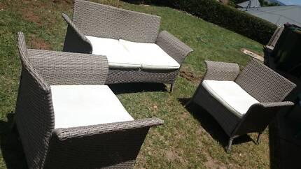 Indoor/Outdoor Lounge Setting