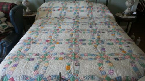 """Antique DOUBLE WEDDING RING QUILT Hand Quilted, Multi-Color Pastel, 84""""x76"""""""