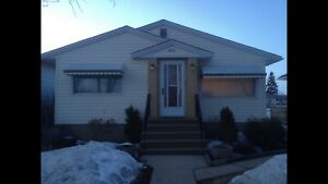 Home for sale in Lamont ** motivated to sell** -private sale