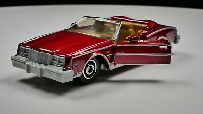 1983 Buick Riviera 1/64 Scale Diecast Diorama Car Rare Convertible