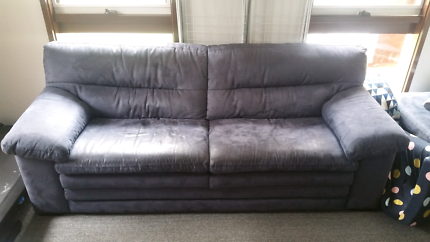BLUE PLUSH 3 SEATER SOFA COUCH not Couches Sofabed futon leather