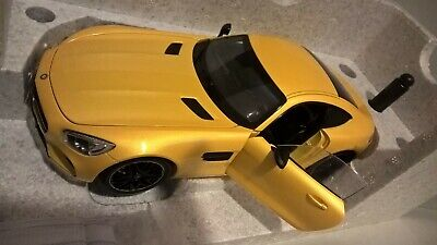 1/18 MERCEDES-BENZ AMG GTS 2014 NOREV DEALER