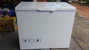2 Way Freezer or Fridge 220L LPG , 240volt Model XD-200 off-Grid Gymea Sutherland Area Preview