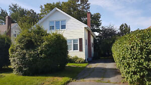 Charming 3 Bedroom Home with Yard in Southdale!
