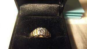 18ct Yellow Gold Unisex Diamond ring with valuation $2,285.00 Koo Wee Rup Cardinia Area Preview