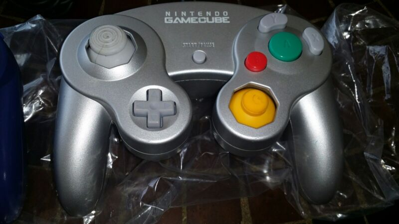 Nintendo Gamecube controller Original Genuine