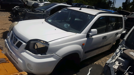 2002 NISSAN XTRAIL WHITE FOR WRECKING