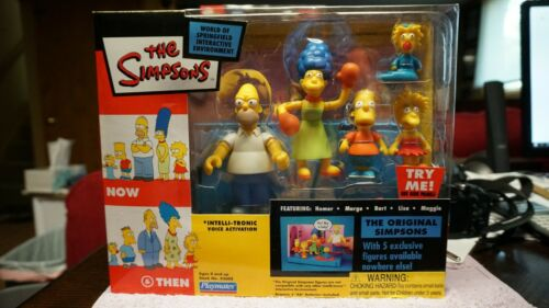 Playmates Original Simpsons Now & Then Family Playset with 5 Action Figures New