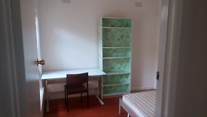 Clean room share near deakin university in Burwood Burwood East Whitehorse Area Preview