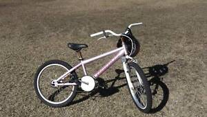 girls bike Old Bar Greater Taree Area Preview