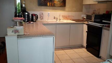 Kitchen U shaped excellent conditions for sale
