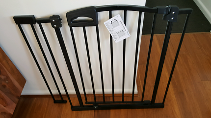 Perma child safety utimate safety gate with 10cm extension