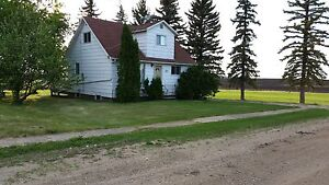 House for RENT in Zenon Park, Sk $600 per month 4 bedrooms.
