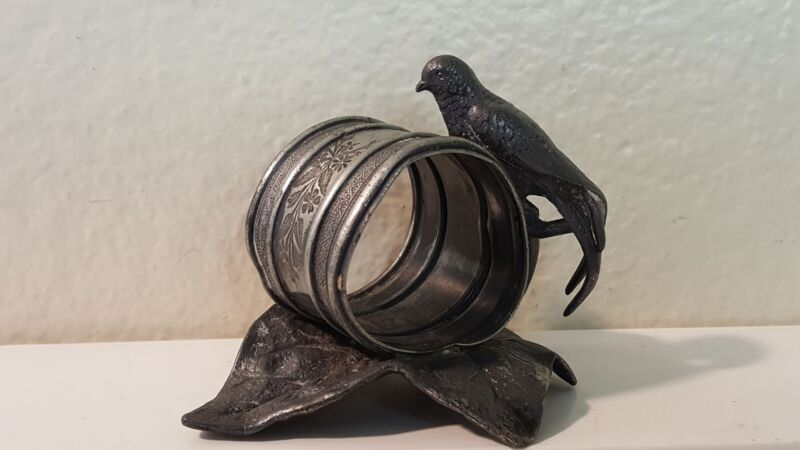Rogers Silverplate Napkin ring Bird on leaf c.1800s